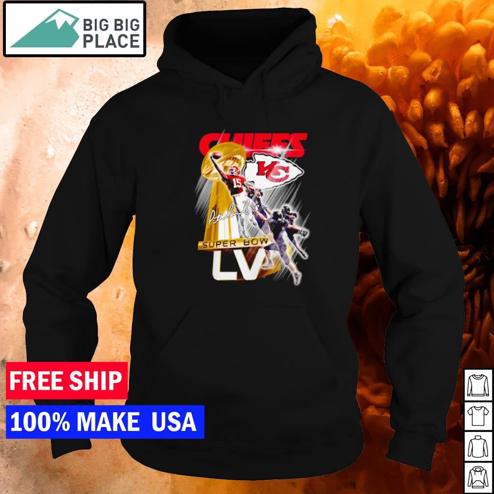 Number 15 Kansas City Chiefs Patrick Mahomes Super Bow LV signature s hoodie